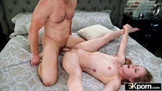 5KPorn – Flexible Cora Moth Stretched Wide for 60FPS Creampie