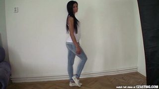Czasting – Beautiful brunette with perfect body