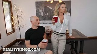 isabella deltore milf hunted reality kings