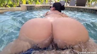 Lucky Horny Pool Boy Fucks Thick Latin Amateur Teen Babe in the Pool with the Neighbors Watching