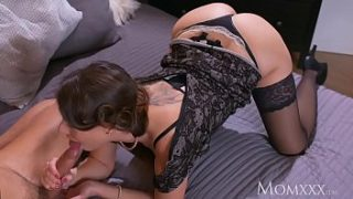 mom mature housewife in stockings squirting after blowjob and deep fuck