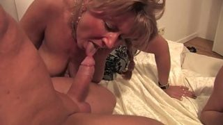 Real Amateur – Amateur orgy avid milf letting herself do it all